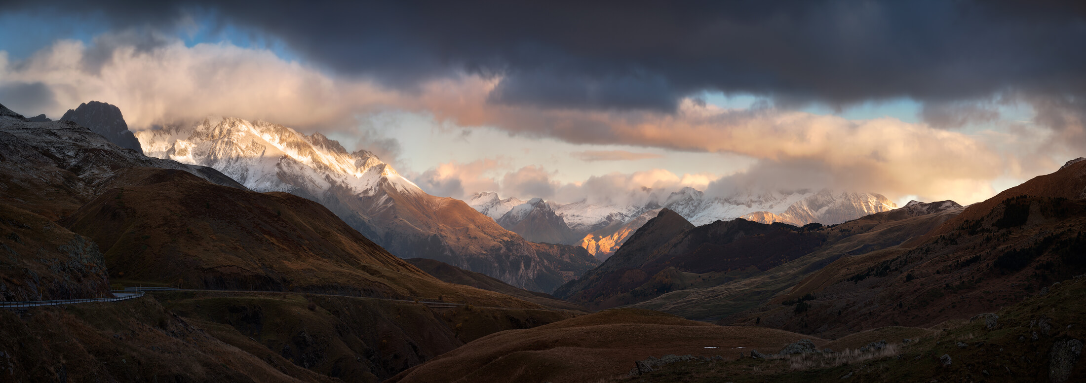 Panoramic of the pyrenees